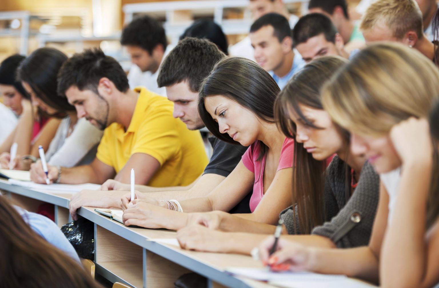Sinh viên quốc tế bắt buộc phải đảm bảo việc học trong quá trình làm thêm